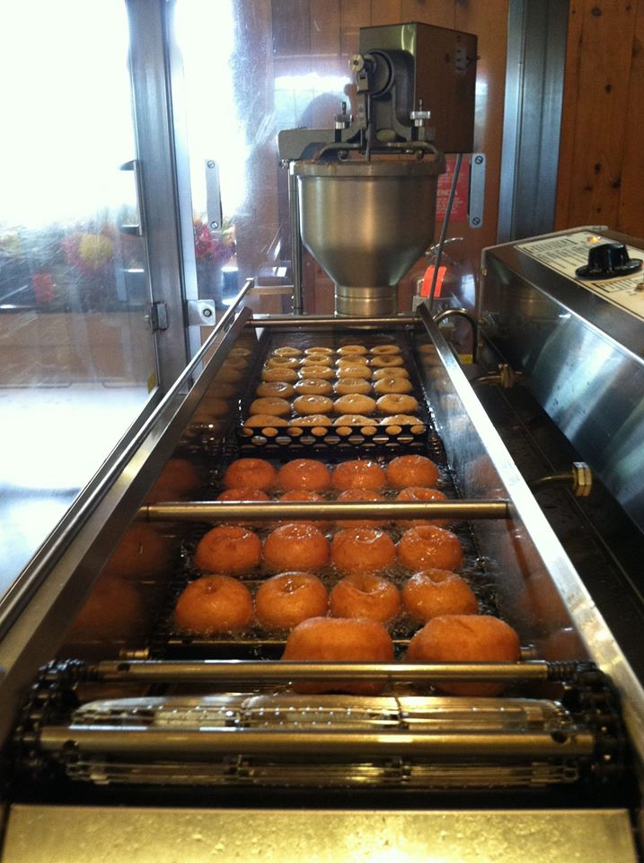 Apple Cider Donuts being made at Parlee Farms